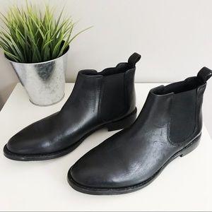 Johnston & Murphy • Lyla Chelsea Ankle Boot